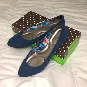 Kelly & Katie Teal Suede Almond Toe Flats w/ Box